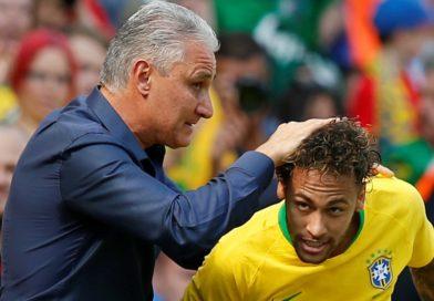 """Tite vê volta de Neymar muito acima da expectativa e avisa: """"Ele vai oscilar"""""""