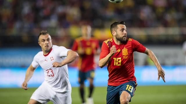 Adversária do Brasil na estreia, Suíça apronta para cima da Espanha e arranca empate em amistoso