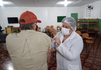 Segunda feira é dia de Plantão de vacinação 1ª dose para pessoas acima  de 45 anos no TG 02/005